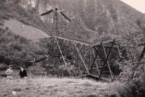 gesprengter Strommasten in Südtirol