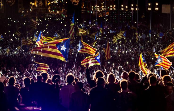 Katalonien – Massenproteste in Barcelona nach Festnahmen