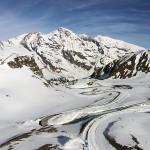 Mann stürzt beim Bergsteigen 120 Meter ab
