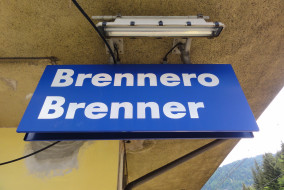 Brennero_-_Brenner_Schild