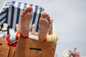 Wetter, Sand, Strand, Meer, Nordsee, Kinder, Urlaub, Ferien, Sommer, Strandkorb, Füße, Strandkörbe