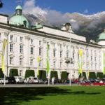 Gesamt-Tiroler Nachwuchsmusiker bilden ein Orchester