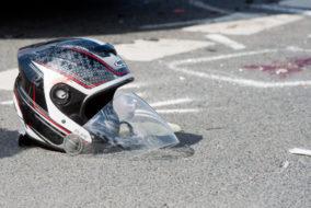 Motorradunfall, Motorradhelm, Verkehrsunfall, Kradunfall, Helm, Helmp