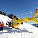 Skifahrer bleibt regungslos im Schnee liegen