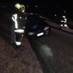 Vinschgau: Fahrzeug gerät über Straße