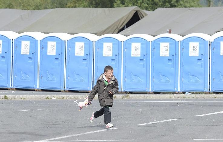 Migrantenbub Anthony kommt zu Pflegefamilie