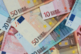 Vermögen, Geldscheine, Geldnote, Bank, Banknoten, Schein, Euro, Geld, Wirtschaft und Finanzen