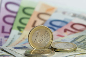 Weltmarkt, Kreditinstitu, Blüten, Finanzen, Banknote, Export, Steuern