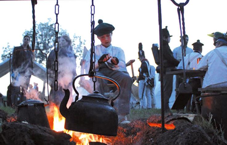 Ein Dorf wird niedergebrannt – Schabs in Flammen