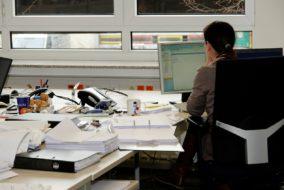 Büroarbeit_Sekretärin_Büro_Schreibtisch