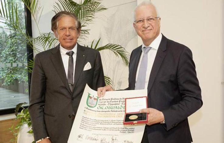 WKT: Dr. Oswald Mayr erhält Goldene Ehrenmedaille