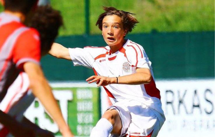 Junger Südtiroler wird Profifußballer