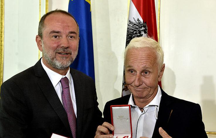 Klaus Eberhartinger erhielt Goldenes Ehrenzeichen