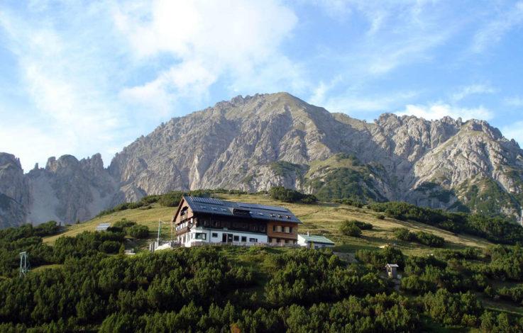 """Un rifugio fra i monti: Solsteinhaus,  una """"casa contadina"""" fra pascoli verdissimi"""