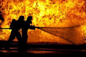 Feuerwehrmänner_Brand_löschen