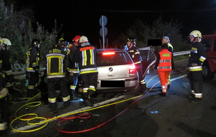 Überetsch: Drei Verletzte bei Frontalcrash