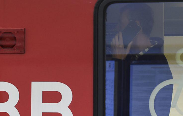 Über 70 Passagiere in Zug eingeschlossen