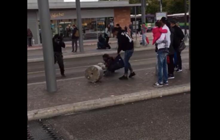 Ausländer-Gewalt: Mann zückt eine Pistole – VIDEO