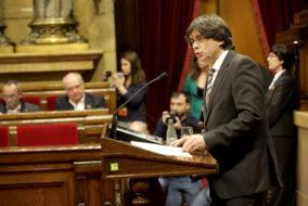 Puigdemont-Generalitat-Parlament-MANOLO-GARCIA_1501660003_154601_1500x1000
