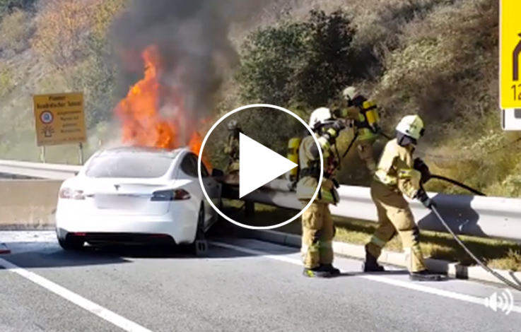 Tesla Model S brennt auf österreichischer Autobahn aus