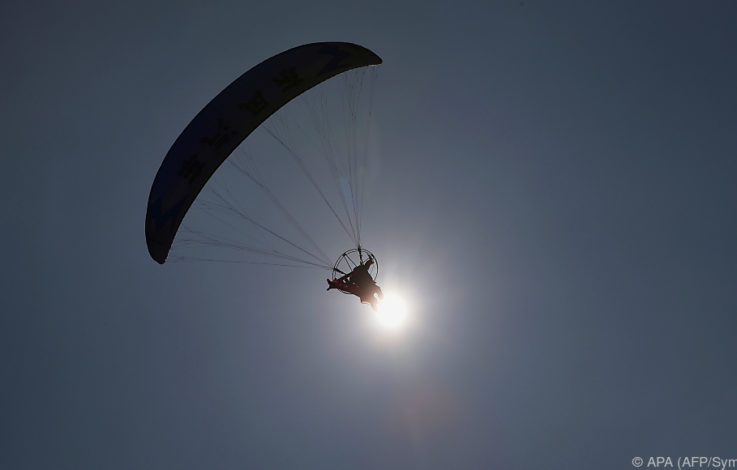 Kollision zweier Fallschirmspringer in Zell am See