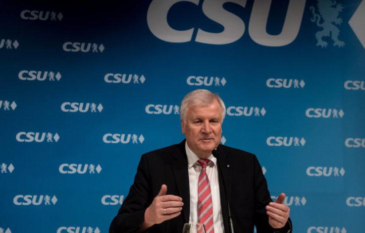 Seehofer mit 83,7 Prozent als CSU-Chef wiedergewählt