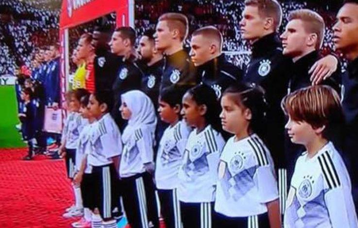Aufregung um Kopftuch-Mädchen bei DFB-Spiel