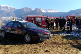 20171207 i mezzi dei soccorsi nell'area del ritrovamento del veicolo