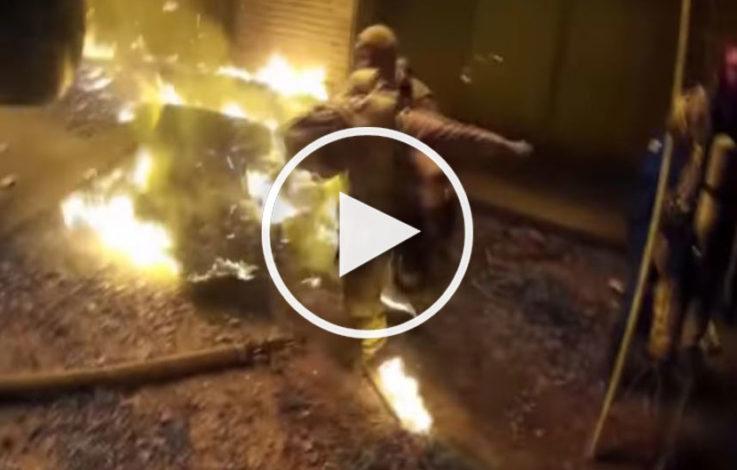 Feuerwehr rettet Kind aus Flammenhölle