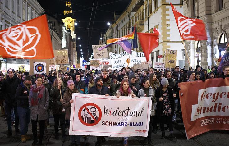 400 Linke protestieren gegen Grazer Akademikerball