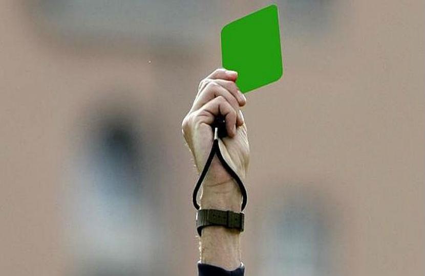 fussball grüne karte
