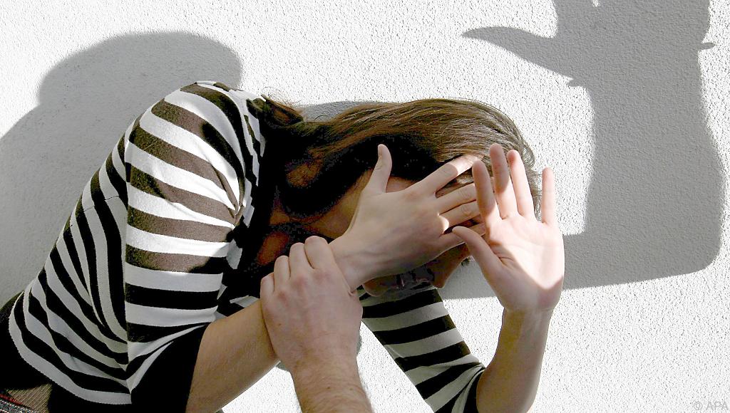 Schweres Sexualdelikt in NRW: An junger Frau vergangen? Tatverdächtige sind Kinder