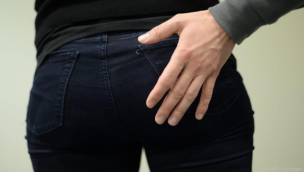 Sex-Attacke: Von hinten auf Vagina geschlagen - UnserTirol24