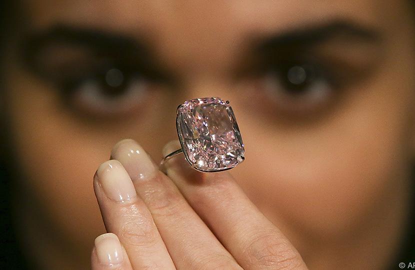 saftig so viel kostet der gr te pinkfarbene diamant. Black Bedroom Furniture Sets. Home Design Ideas