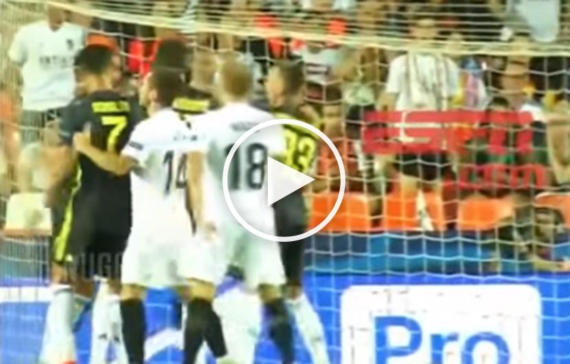 ronaldo rote karte video Cristiano Ronaldo blamiert sich mit Kindergarten Auftritt – VIDEO