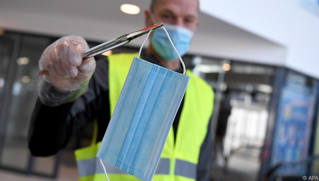 Österreich überlegt Rückkehr der Maskenpflicht im Supermarkt ...